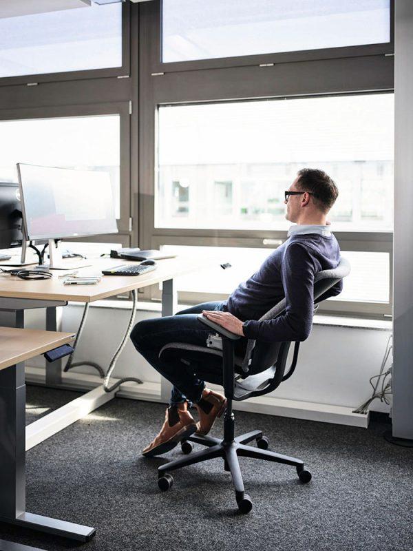 wilkhahn-at-esp-bureaustoel-zwart-relax | www.bureaustoel.nl